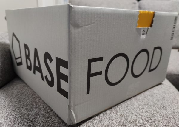 BASE BREADの箱